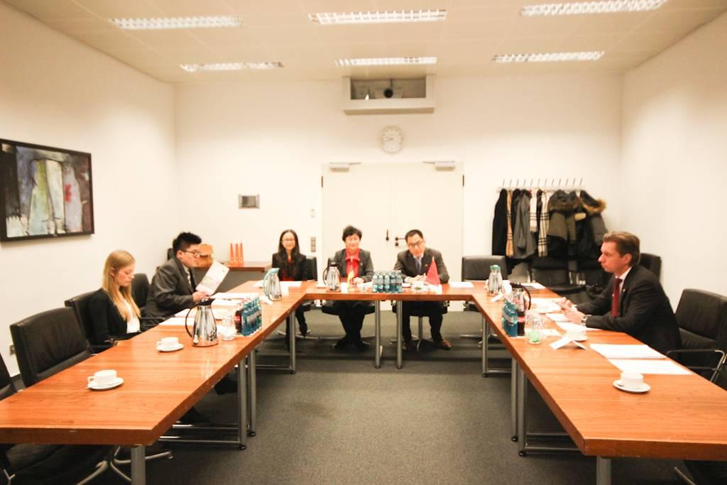 金驰代表团到德国法兰克福进行商务访问
